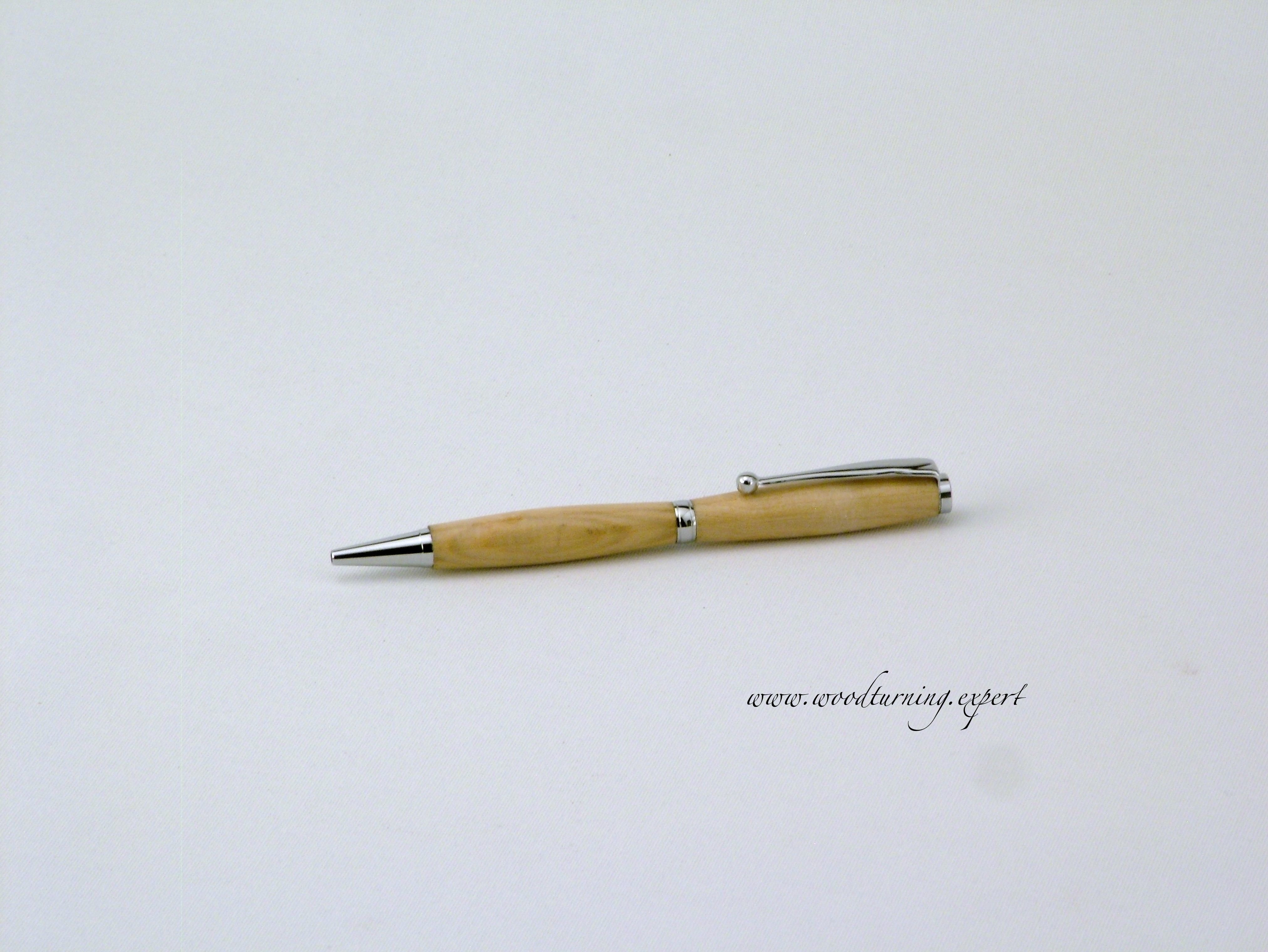 a slimline pen in cedar